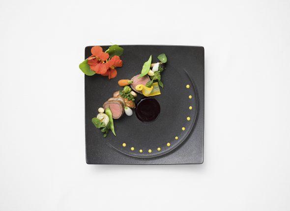 【料理重視の方へ】<br /> トリュフ香る焼き立てステーキ試食×森のチャペル模擬挙式フェア